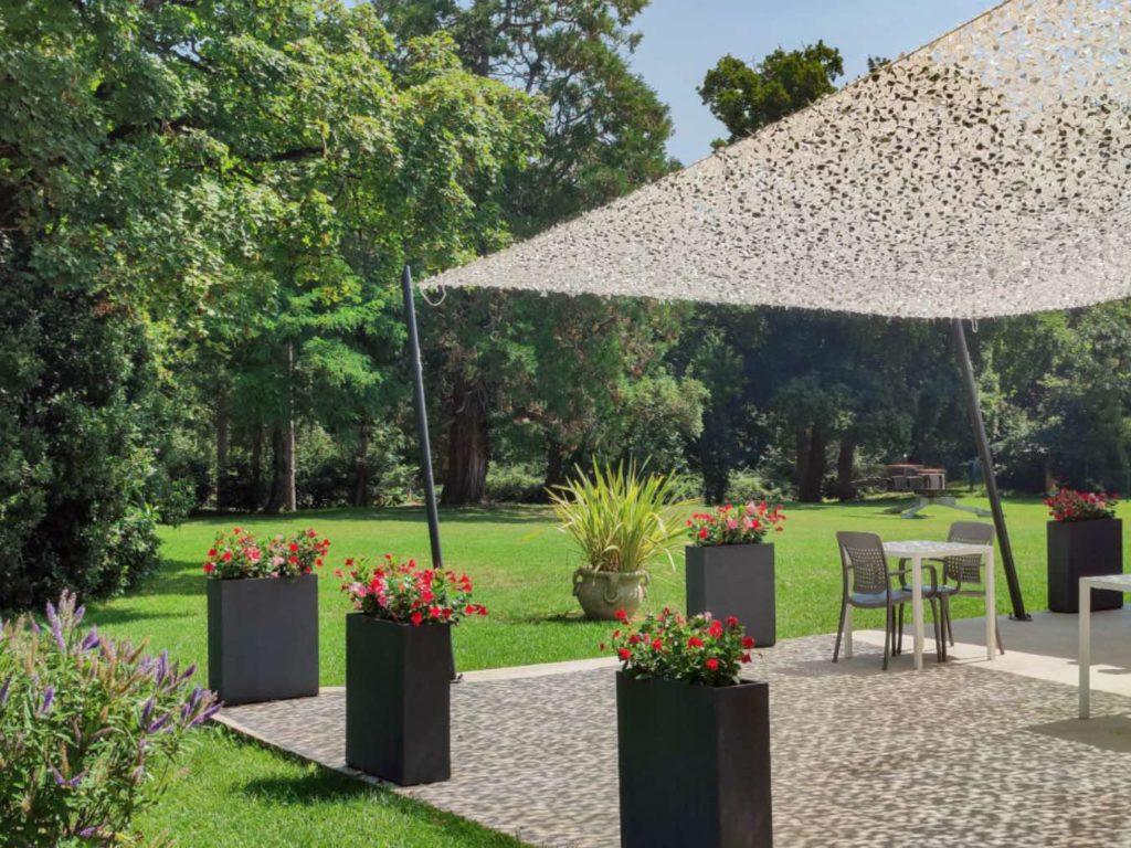 photo des espaces verts autour de la terrasse
